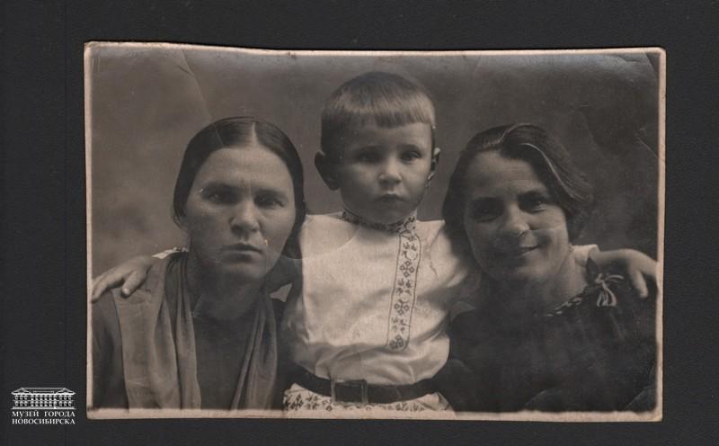На память маме от Вити. снимались 22 июля 1940 г.