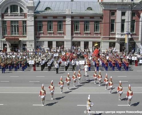 29 июня 2008 парад 1-го Сибирского фестиваля духовых