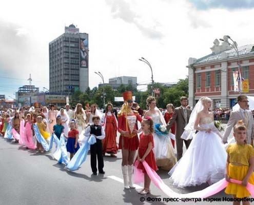 29 июня 2008 торжественное шествие 115 свадебных пар