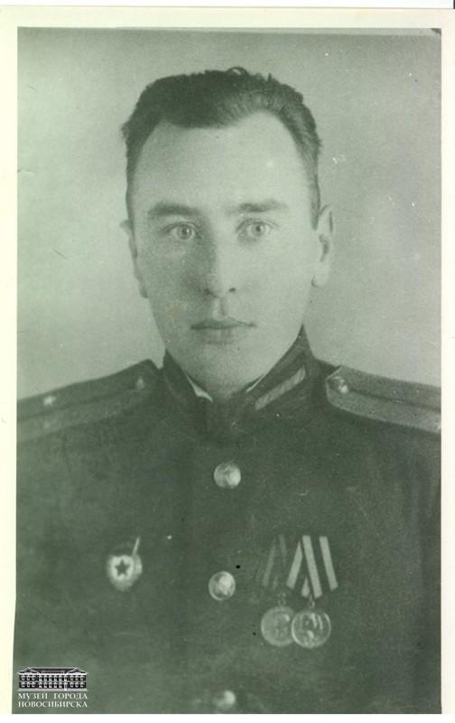 Михаил Николаевич Дементьев, 1951 год, г. Новосибирск