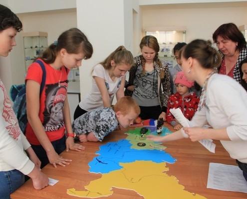 Программу для школьного лагеря