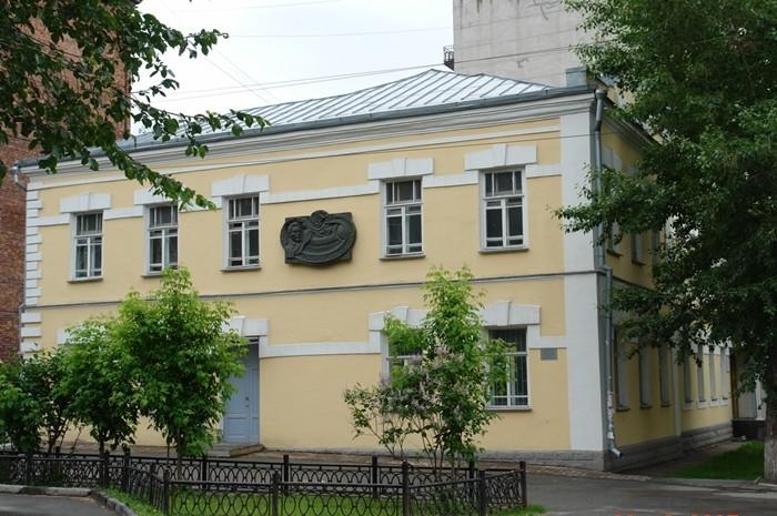 dom-na-sovetskoy-24-v-kotorom-rabotal-yu-kondratyuk