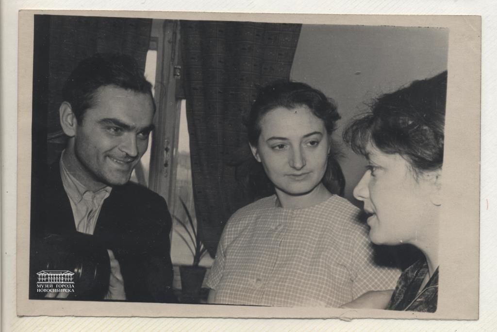 Леонид Сикорук с телеведущей Розой Литвиненко( справа)