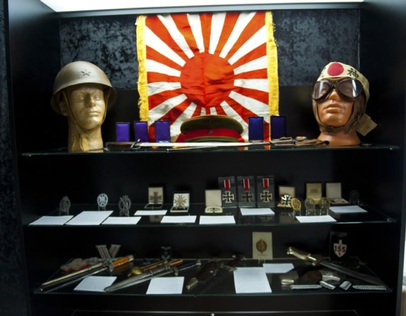 Награды и предметы, связанные с ВВС милитаристской Японии.