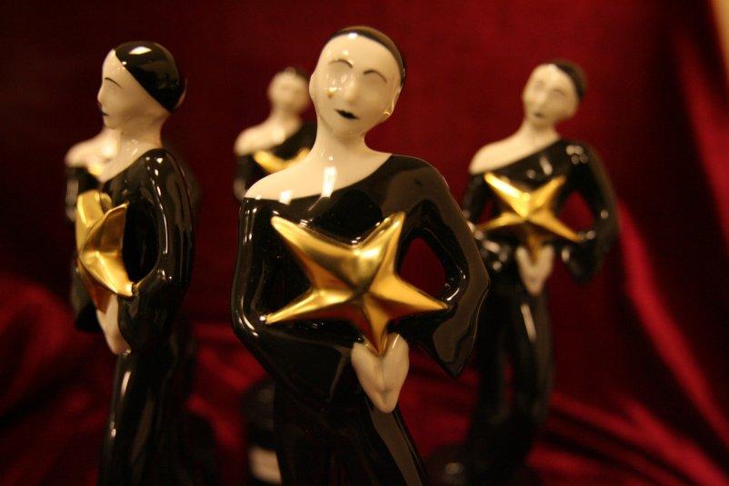 Статуэтка премии Звезда театрала