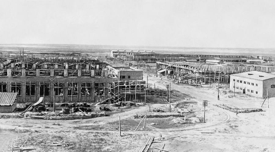 Строительство завода Сибкомбайн (Сибсельмаш), 1930, вид с нынешней улицы Станционной