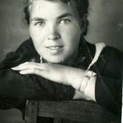 Виктория Ивановна Толмасова. 9 класс. 1945 год