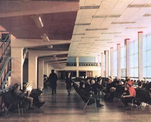 Зал ожидания аэровокзала Толмачево. 1964