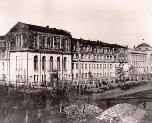 Здание бывшего Реального училища (надстроено в 1930)
