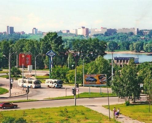 Фотография «Новосибирск. Вид на Октябрьскую пристань и набережную» Фото Е. Иванова. 1990-е годы.
