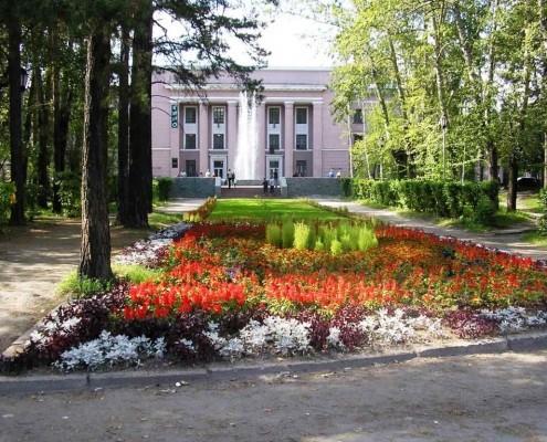 Фотография «Дом молодежи Первомайского района (до ремонта фасадов в 2008 году)».