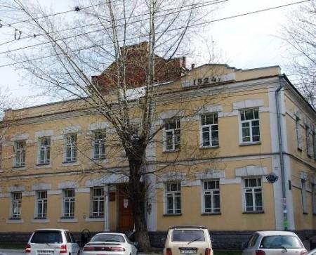 Фотография «Фрагмент западного фасада здания-памятника» 2000-е годы.