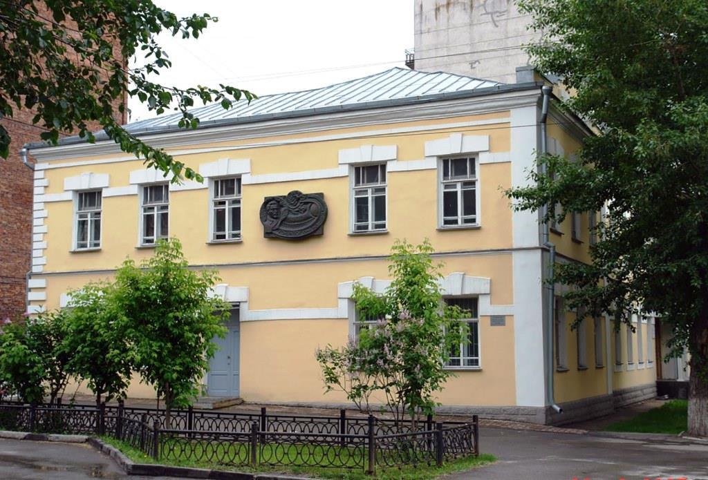 Фотография «Вид на здание с ул. Потанинской» Фото Е. Щукиной. 2007 год.