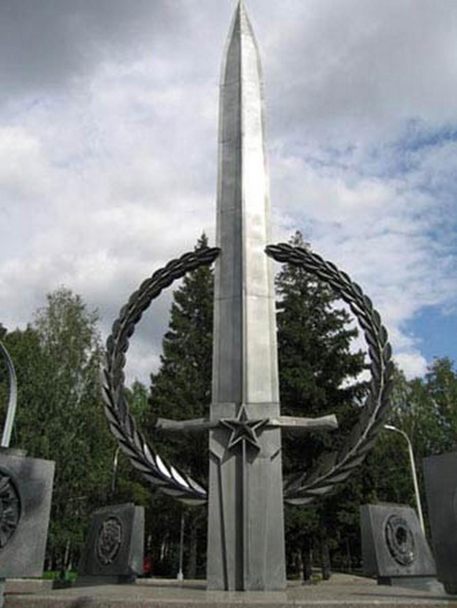 Цена на памятники в новосибирска старинные памятники тамбов символ
